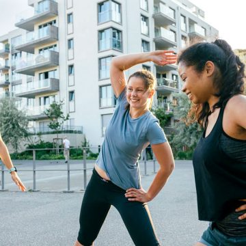 A group girls doing workout